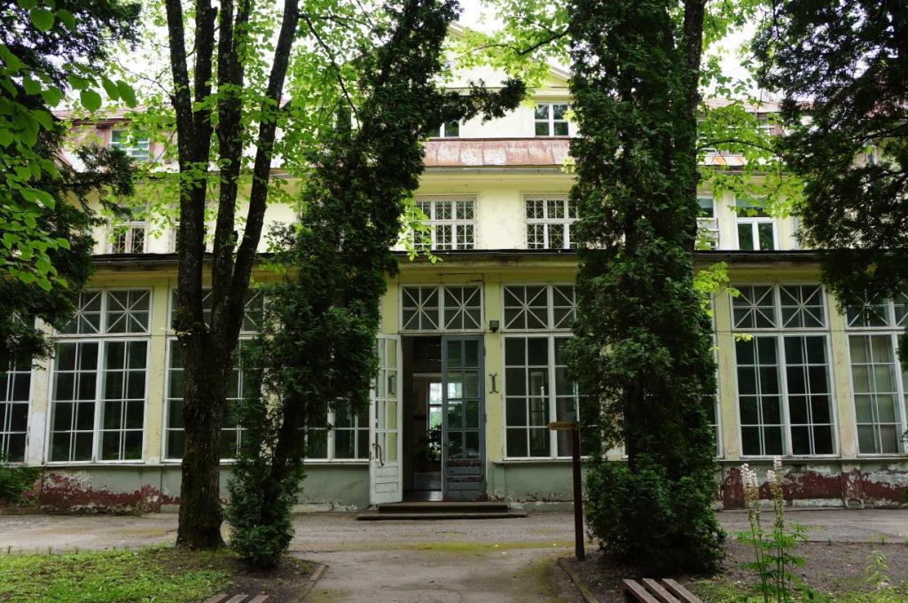 """Uzsākta bijušās sanatorijas """"Ogre"""" ieejas vestibila pārbūve"""