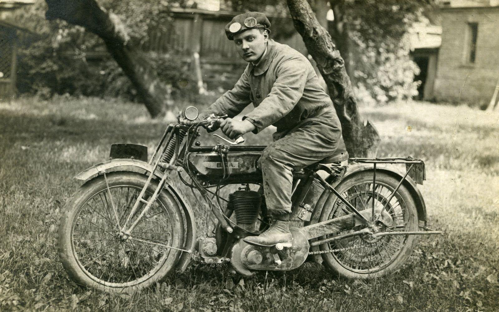 """Ogres muzejā tiks atklāta izstāde """"Aizmirstie senie motocikli"""""""