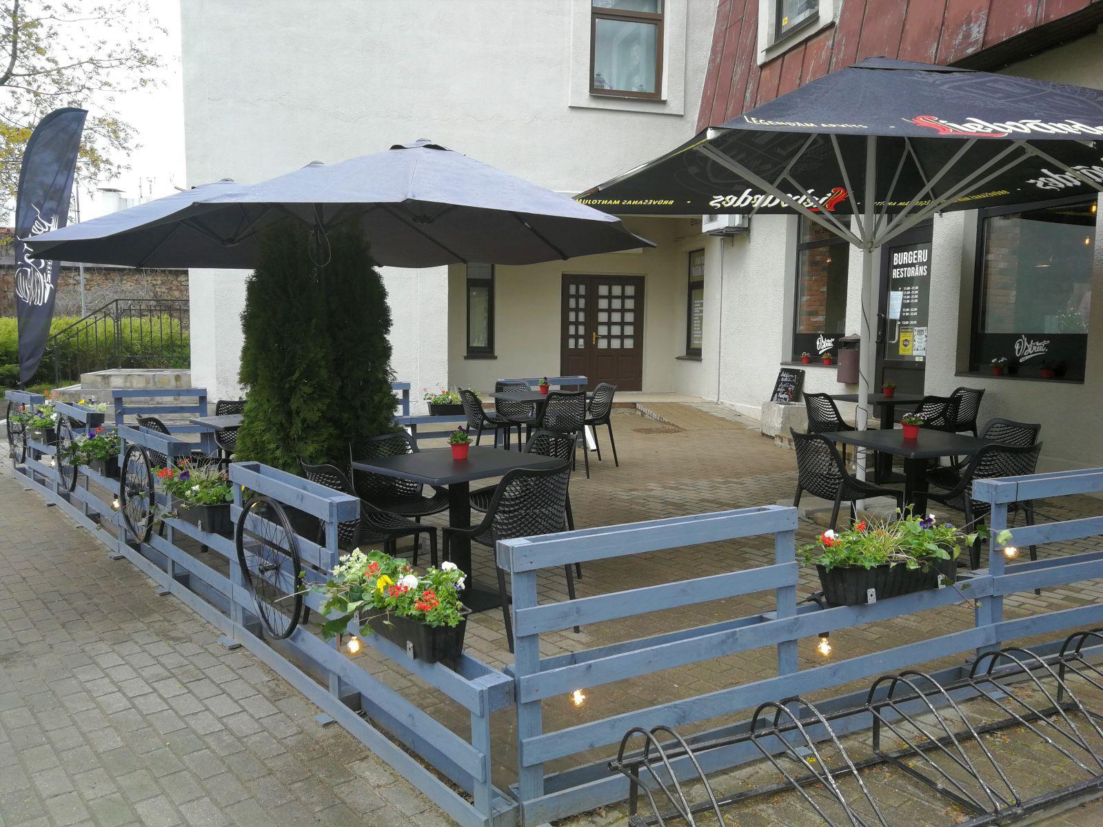 Kafejnīcu terases Ogrē uzsāk darbu